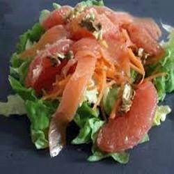 Salade repas au saumon