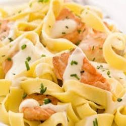 Tagliatelles au saumon frais
